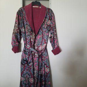 Vintage VS Ladies Robe
